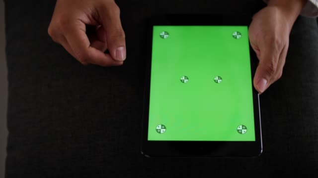 Using tablet green screen