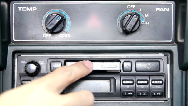 HD : using tape cassette a car
