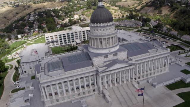 vídeos de stock, filmes e b-roll de utah state capitol building - capitólio estatal