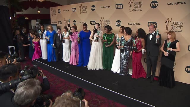 uzo aduba, jessica pimentel, laura prepon, jessica pimentel, dascha polanco, samira wiley, laverne cox, vicky jeudy, lea delaria, samira wiley,... - screen actors guild awards stock-videos und b-roll-filmmaterial