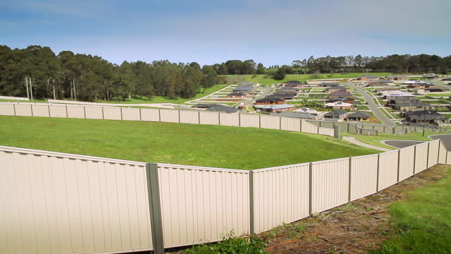 ws vacant blocks of land for sale in a new housing estate in the suburbs / warragul, victoria, australia - housing development stock videos & royalty-free footage