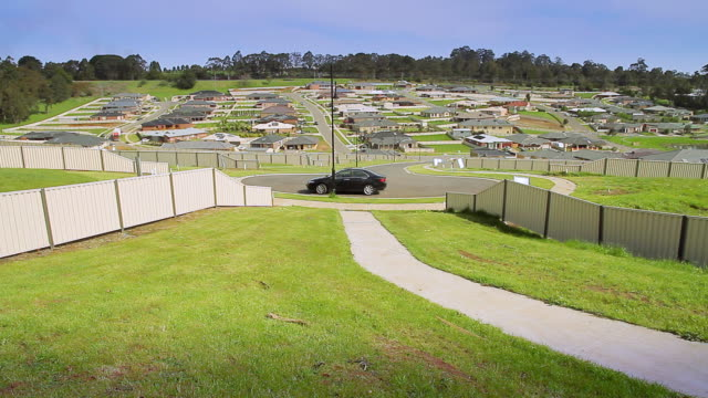 ws vacant blocks of land for sale in new housing estate in suburbs / warragul, victoria, australia - home ownership stock videos & royalty-free footage