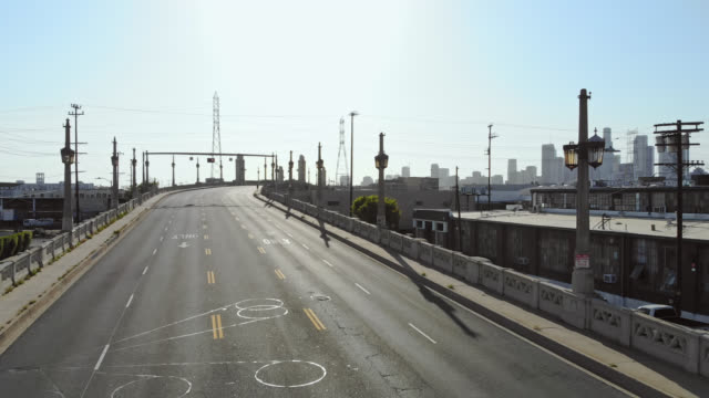 vacant los angeles streets during coronavirus lockdown. - city of los angeles stock videos & royalty-free footage