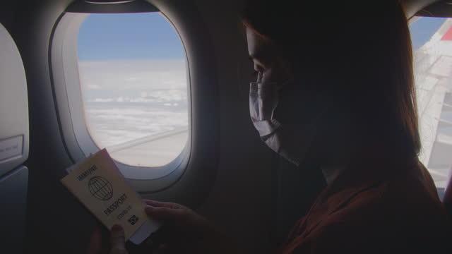 vídeos de stock, filmes e b-roll de passaporte de vacina para viagens - tourism