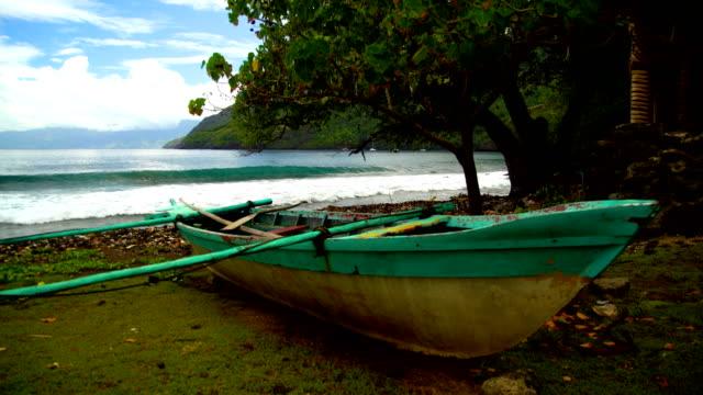 vaitahu tahuata island ocean bay outrigger canoe marquesas - remote location bildbanksvideor och videomaterial från bakom kulisserna