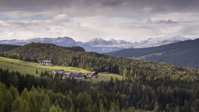 val di gardena in the italian dolomites. - val gardena video stock e b–roll