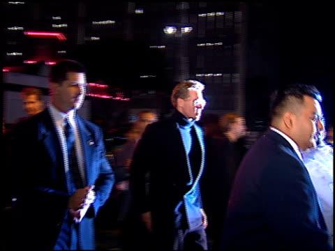 val kilmer at the 'batman foreve'r premiere on june 9, 1995. - val kilmer stock videos & royalty-free footage