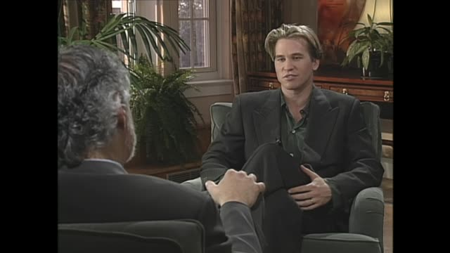 val kilmer talks about how doing shakespeare is difficult - val kilmer stock videos & royalty-free footage