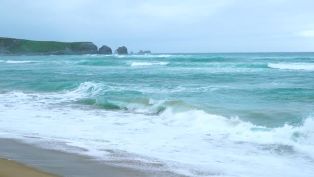 valdearenas beach, dunas de liencres natural park, cantabrian sea, piélagos municipality, cantabria, spain, europe - shallow stock videos & royalty-free footage
