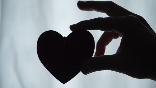 vídeos de stock, filmes e b-roll de valentine's day - símbolo conceitual