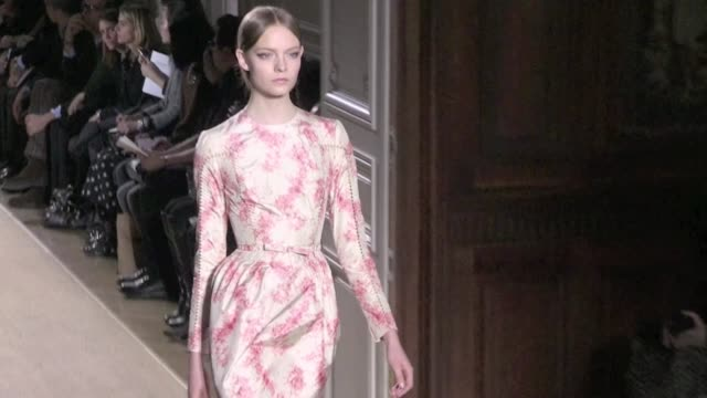valentino runway haute couture fashion show paris 2012 valentino haute couture runway 2012 on january 25, 2012 in paris, france - valentino designer label stock videos & royalty-free footage