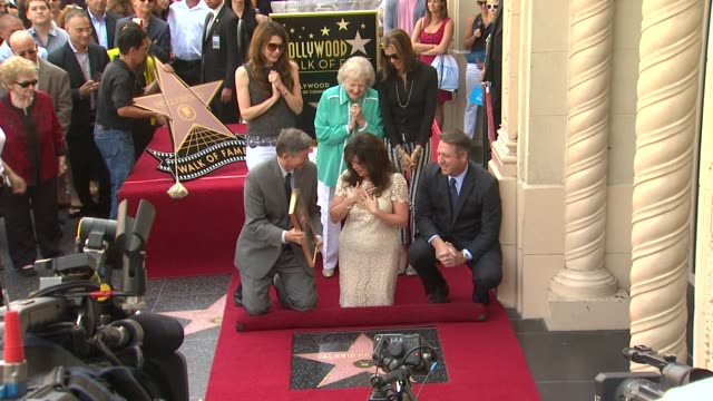 valerie bertinelli, jane leeves, betty white, and wendie malick at valerie bertinelli honored with star on the hollywood walk of fame on 8/22/12 in... - wendie malick stock videos & royalty-free footage