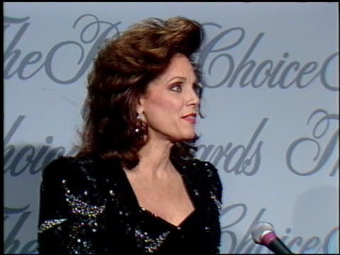 valerie harper at the 1990 people's choice awards at universal studios in universal city, california on march 11, 1990. - people's choice awards stock videos & royalty-free footage