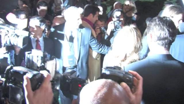 stockvideo's en b-roll-footage met valerie trierweiler and salma hayek and husband françois henri pinault at 2013 yves saint laurent show in paris fashion week on october 01 2012 in... - salma hayek