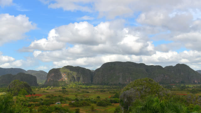 valle de vinales, pinar del rio, cuba - mountain range stock videos & royalty-free footage