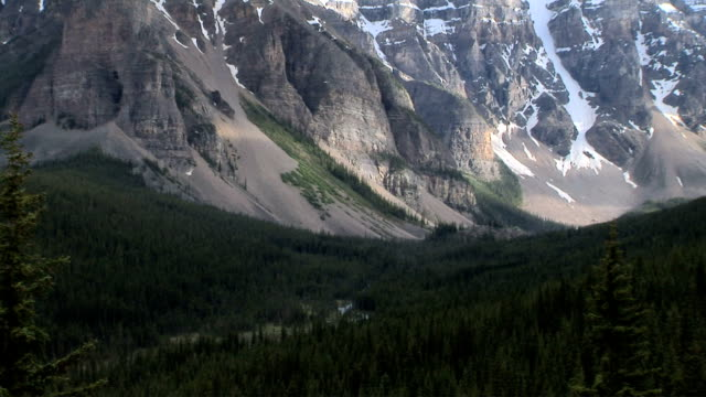 valley of the ten peaks, banff national park, alberta, canada - valley of the ten peaks stock videos and b-roll footage