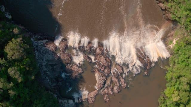 vídeos de stock e filmes b-roll de valley waterfall - gaúcho