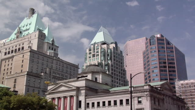 ms, la, vancouver art gallery and office buildings, vancouver, british columbia, canada - vancouver canada stock videos & royalty-free footage