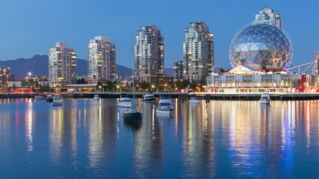 vídeos de stock, filmes e b-roll de vancouver in motion: false creek night - vancouver