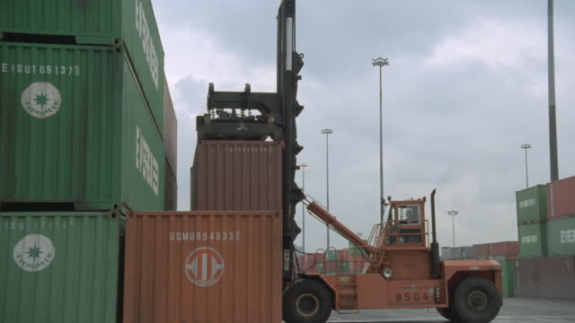 vancouver port - film container stock videos & royalty-free footage