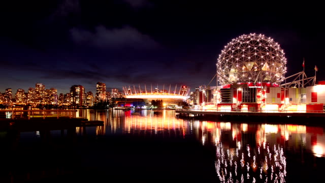 vancouver skyline with science world and stadium, canada - kuppeldach oder kuppel stock-videos und b-roll-filmmaterial