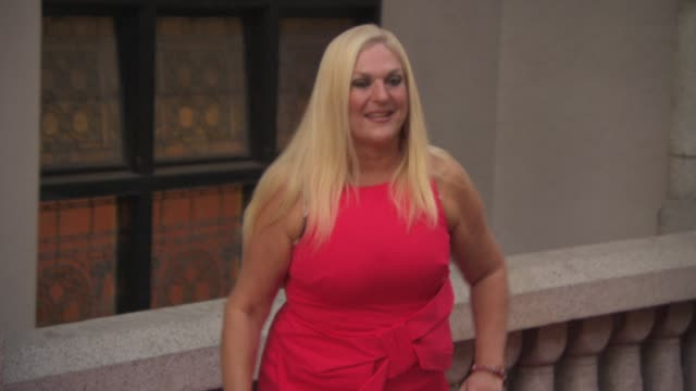 stockvideo's en b-roll-footage met vanessa feltz at the inspiration awards for women on october 02, 2014 in london, england. - vanessa feltz