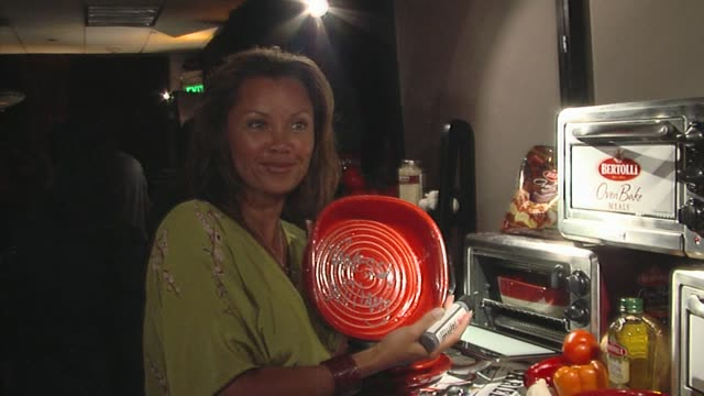 vanessa l. williams at the bertolli at the presenters gift lounge celebrating the primetime emmy awards hosted by aeg ehrlich ventures at los angeles... - gift lounge stock videos & royalty-free footage