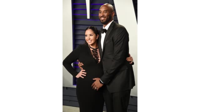stockvideo's en b-roll-footage met vanessa laine bryant and kobe bryant attend the 2019 vanity fair oscar party hosted by radhika jones at wallis annenberg center for the performing... - kobe and vanessa bryant