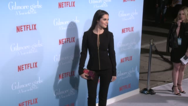 stockvideo's en b-roll-footage met vanessa marano at the premiere of netflix's gilmore girls a year in the life at regency bruin theater on november 18 2016 in westwood california - bruin theater