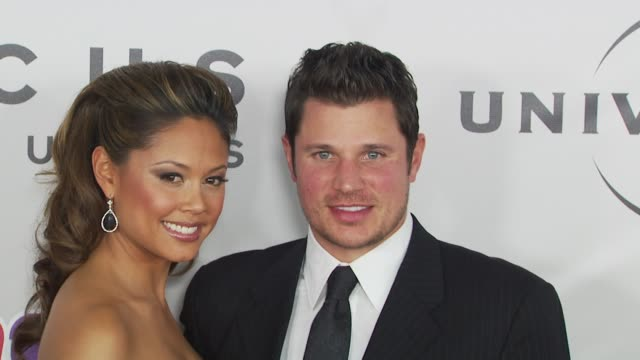 vanessa minnillo, nick lachey at the nbc universal 67th annual golden globe awards after-party at beverly hills ca. - ニック ラシェイ点の映像素材/bロール
