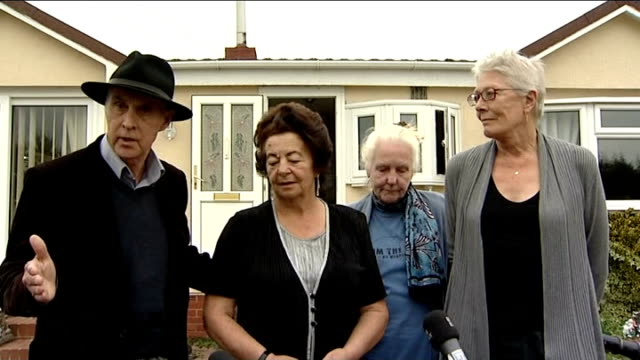 vanessa redgrave lends support to traveller families facing eviction; england: essex: basildon: dale farm: ext vanessa redgrave and others coming out... - basildon stock videos & royalty-free footage