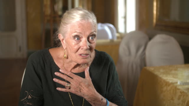 vanessa redgrave on european accountability in the refugee crisis at golden lion for lifetime achievement of the 75th venice film festival - vanessa... - 生涯功労賞点の映像素材/bロール