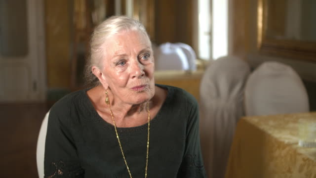 vanessa redgrave talks about taking the role in the upcoming aspern papers at golden lion for lifetime achievement of the 75th venice film festival -... - 生涯功労賞点の映像素材/bロール