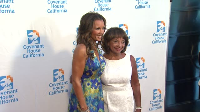 Vanessa Williams Helen Williams at Covenant House California 2012 Gala And Awards Dinner at Skirball Cultural Center on June 07 2012 in Los Angeles...
