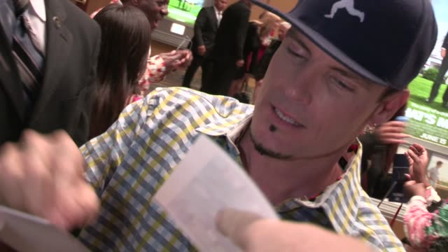 vanilla ice greets fans at that's my boy premiere at regency village theatre in westwood 06/04/12 - regency village theater stock videos and b-roll footage