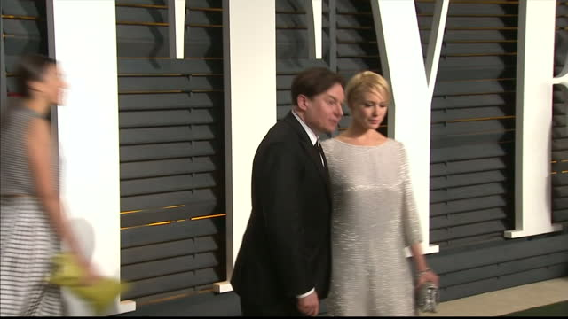 vanity fair oscars party arrivals at the wallis annenberg center for the performing arts in beverly hills exterior shots mike myers and kelly tisdale... - mike myers actor stock videos & royalty-free footage