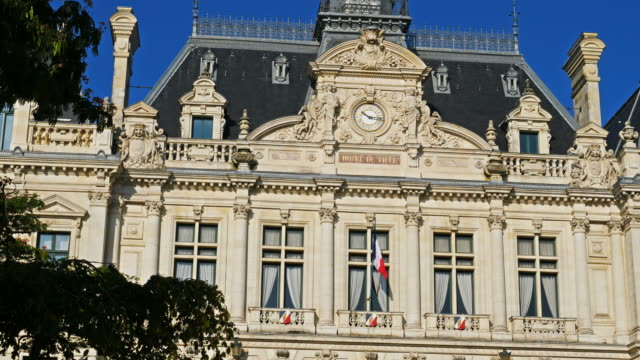 stockvideo's en b-roll-footage met vannes, morbihan, brittany,france - town hall
