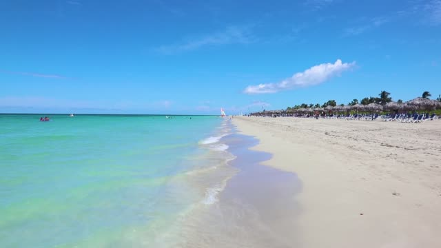 vídeos de stock e filmes b-roll de varadero playa, the caribbean exotic beach with white sand and turquoise transparent crystal clear sea ocean water. the nickname of varadero is playa... - tropical climate
