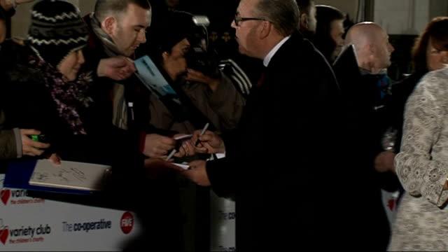 "variety club showbiz awards 2010: celebrity arrivals; england: london: grosvenor house hotel: ext / night **beware flash photography** ""variety club,... - gloria hunniford stock-videos und b-roll-filmmaterial"