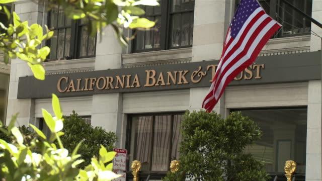 various banks exteriors / san francisco, california, usa / audio - 新古典派点の映像素材/bロール