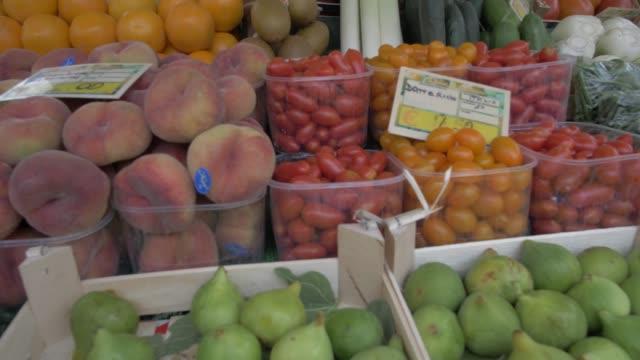 various fruit on stall, venice, veneto, italy, europe - price tag stock videos & royalty-free footage
