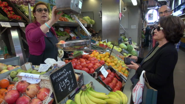 various fruits sold at food market - obst stock-videos und b-roll-filmmaterial