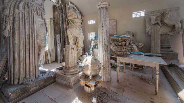 vidéos et rushes de various greek statues - statue