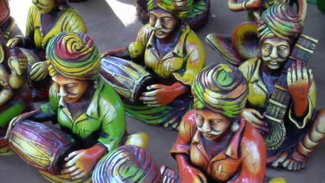 cu zi various idols for sale at surajkund fair / faridabad, haryana, india - haryana stock videos & royalty-free footage