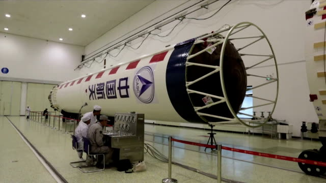 1 various of weather satellite fengyun3d 2 various of long march4c rocket 3 various of rocket satellite being transported to launch site 4 various of... - raumfahrzeug stock-videos und b-roll-filmmaterial