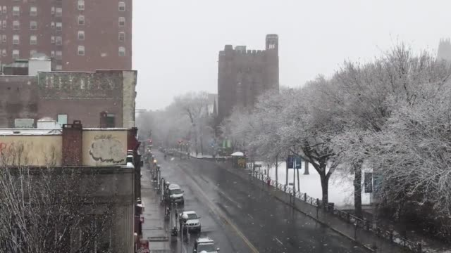 various shots around downtown new haven of snow coming down steadily on friday morning march 10 2017 at 830am - new haven stock-videos und b-roll-filmmaterial