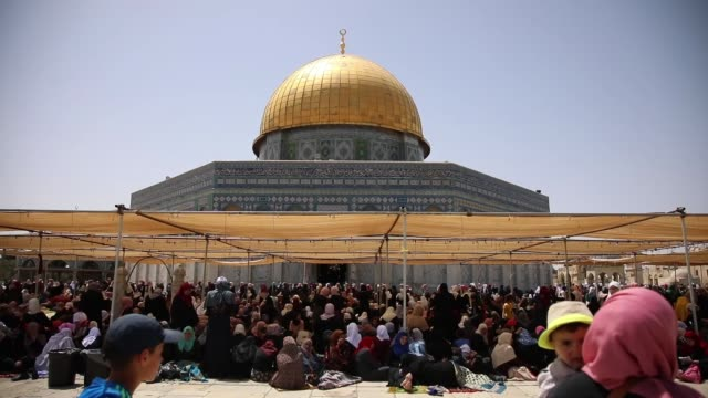 various shots as more than 200,000 palestinians perform the second friday prayer of islamic holy month of ramadan at the al-aqsa mosque, in ramallah,... - jerusalem stock videos & royalty-free footage