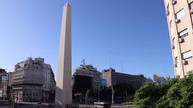 vídeos y material grabado en eventos de stock de various shots from empty streets due to coronavirus outbreak in buenos aires, argentina on march 20, 2020. argentina on friday imposed a countrywide... - argentina