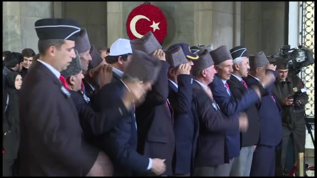 vídeos de stock, filmes e b-roll de various shots from the people visiting anitkabir mausoleum of the founder of turkish republic mustafa kemal ataturk during the 80th anniversary of... - mausoleum