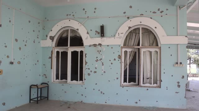 vidéos et rushes de various shots of a damaged mosque at a military base where the taliban attack occurred last week in mazarisharif the capital of northern balkh... - taliban